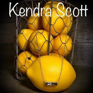 Kendra Scott Bar Pendant Necklace- Crystal/Gold